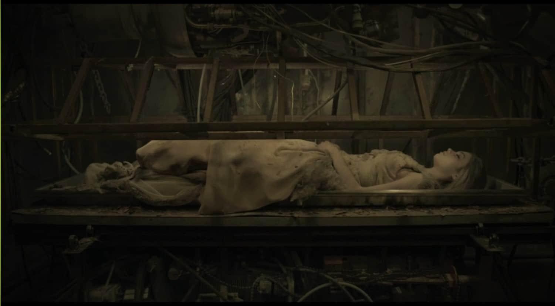 2-sleeping-beauty-1gfYWMq9